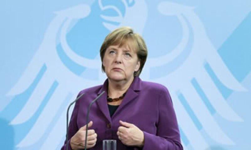 Alemania afirma que los eurobonos elevarán los costos de préstamo. (Foto: AP)