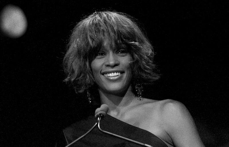 Whitney-Houston-Whitney-Houston-tour