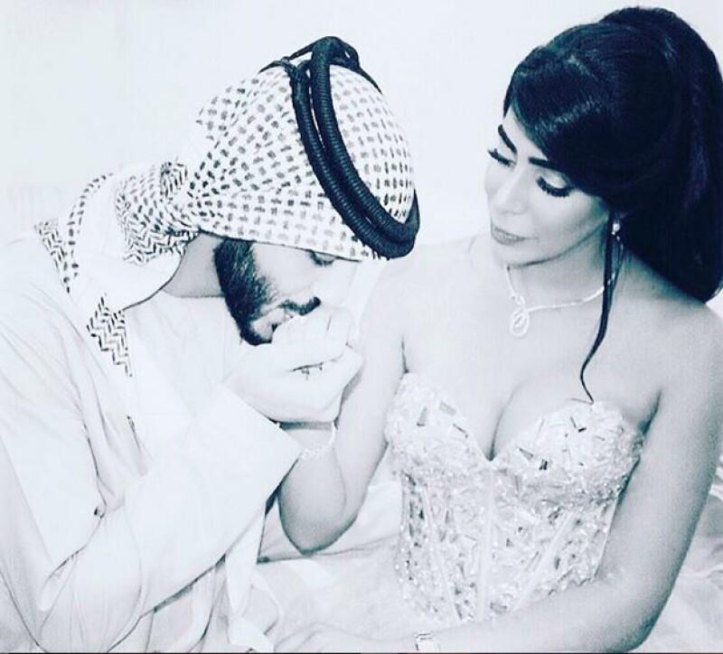 El arabe se casó con una diseñadora de moda y te compartimos las fotografías del romántico enlace matrimonial.