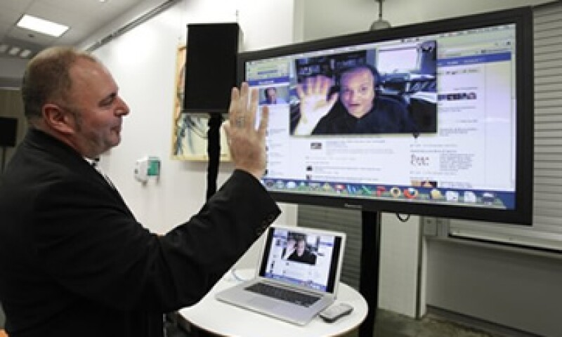 La red social de Google ofrece mejores herramientas para la gestión de contactos que Facebook: expertos. (Foto: AP)
