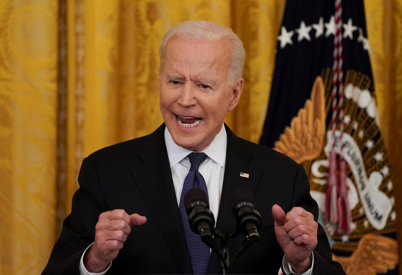 Biden busca un mayor control de armas ante el auge de los delitos violentos