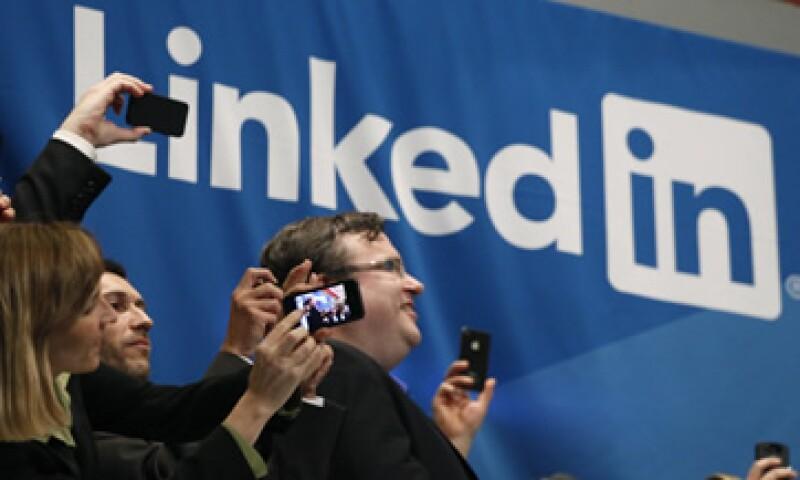 LinkedIn añade dos miembros nuevos cada segundo y más del 64% de sus usuarios viven fuera de Estados Unidos. (Foto: AP)
