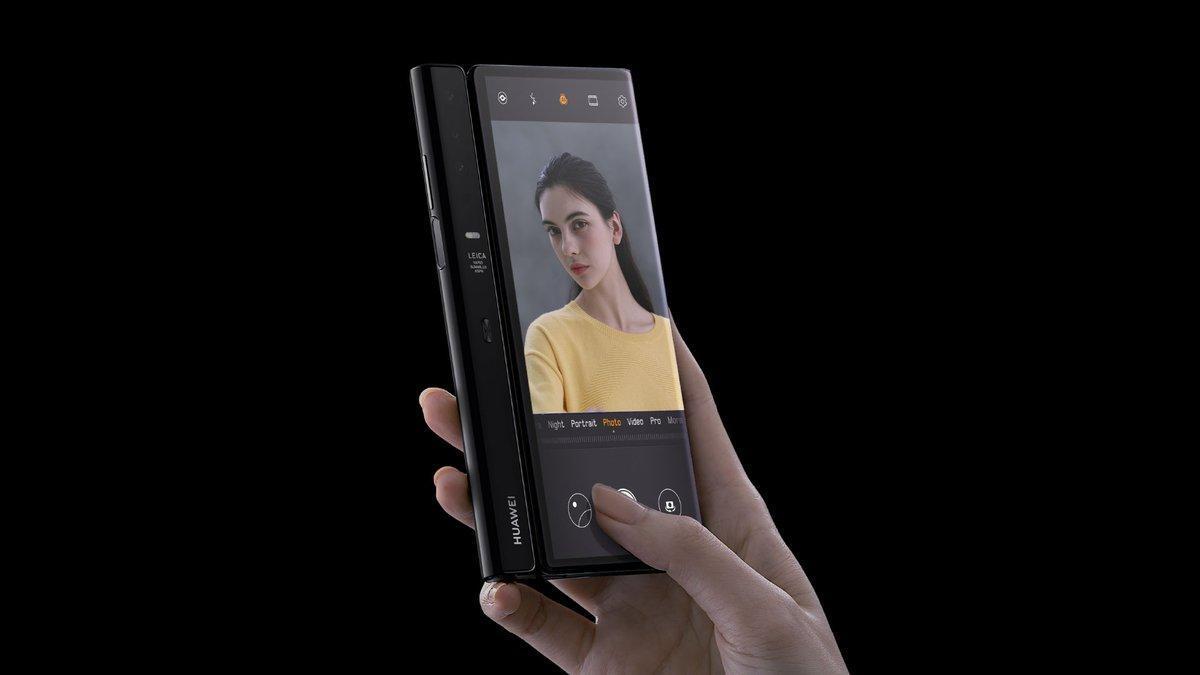 Huawei se apunta a la fiebre de los celulares plegables con el Mate X