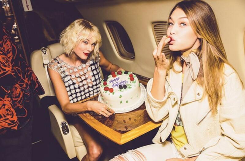 Taylor ya había festejado el cumpleaños de Gigi, cuando ambas se dirigían en un jet privado a Coachella.