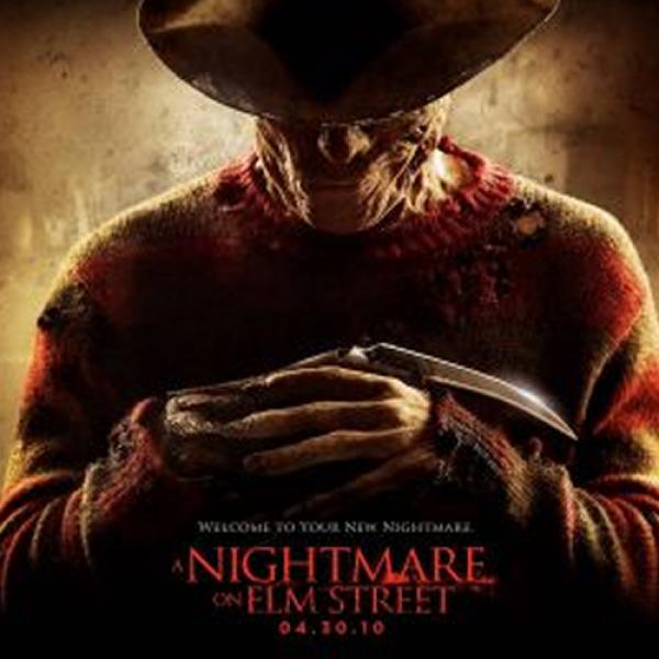 Considerada una gran historia de terror, llega en los 80 esta película, que da nacimiento al despiadado Freddy Krueger, un personaje que probablemente aterrorizó tu infancia y atormentó tus sueños.