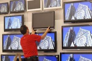 El aumento en la demanda de teléfonos inteligentes ha llevado a los fabricantes a centrarse en pantallas más pequeñas. (Foto: AP)