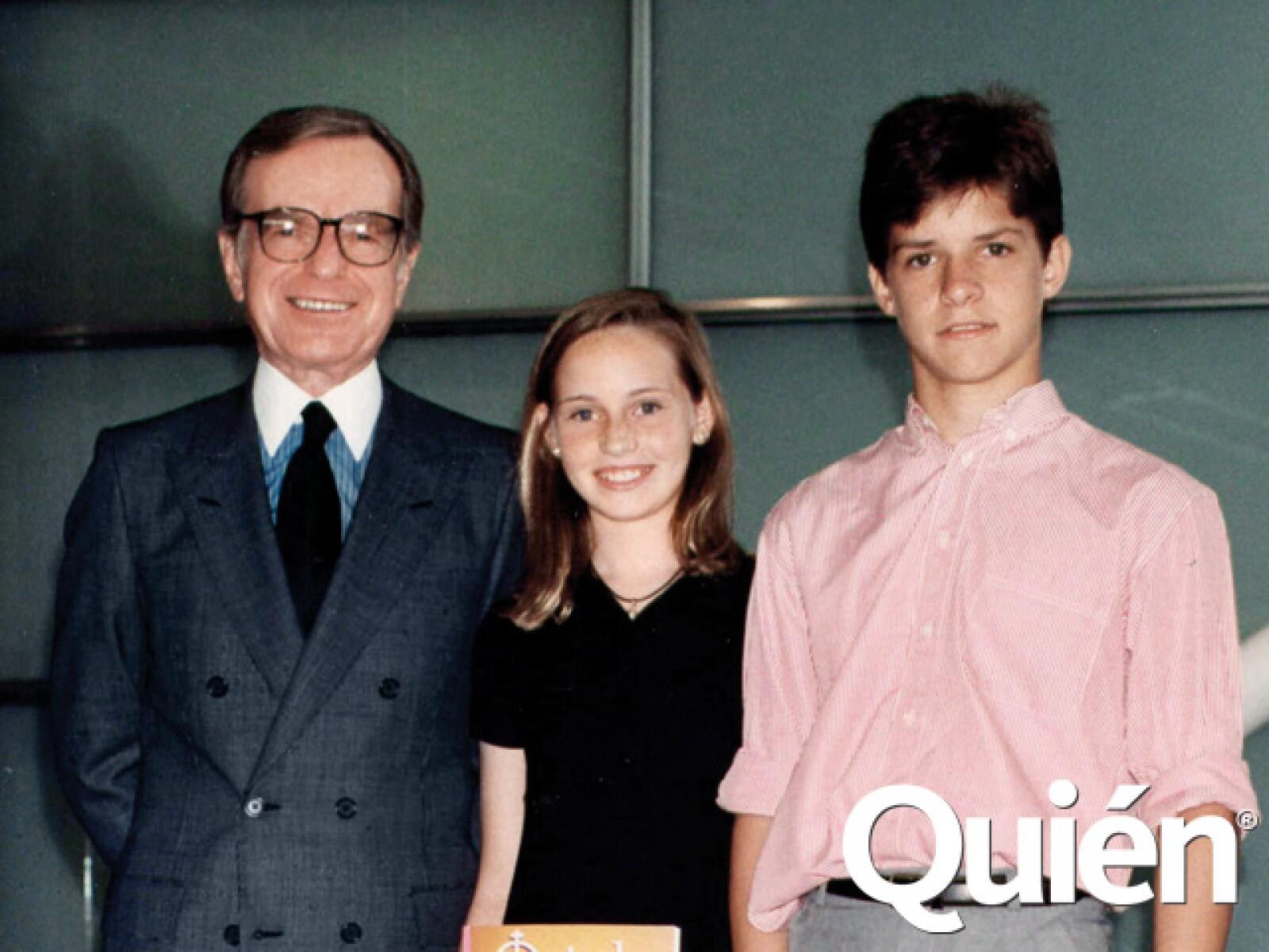 Zabludovsky con su nieta Karla y El Juli quien a penas con 14 años empezaba a torear en México.