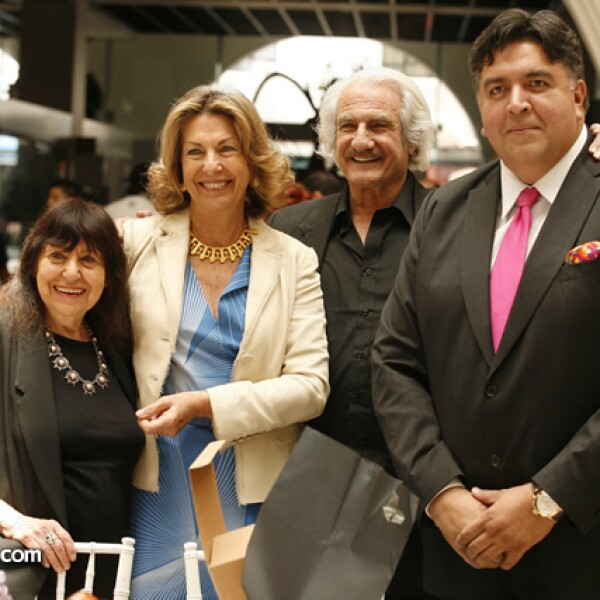 Montserrat Pecanins, Marie Thérèse Arango, Brian Nissen y Rodrigo Flores