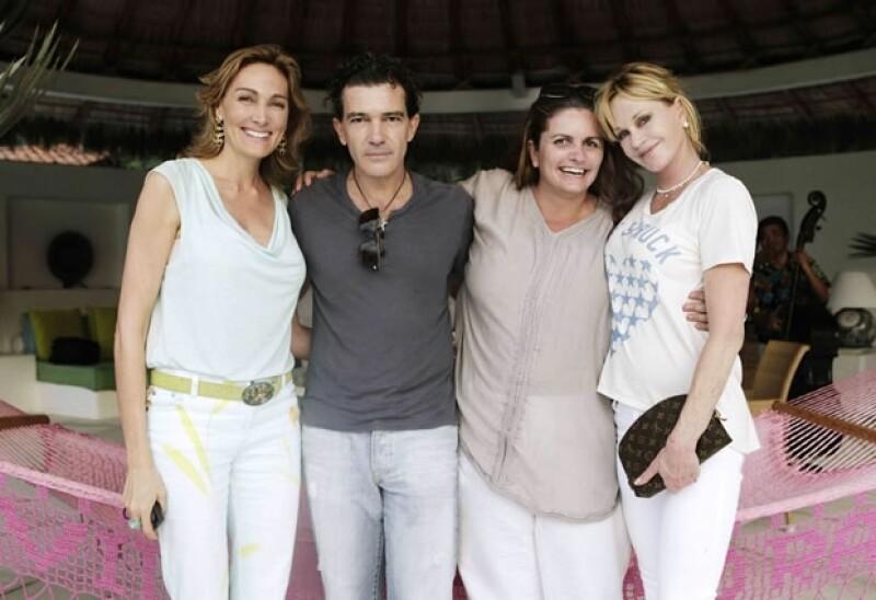 Los actores viajaron a México y visitaron la escuela `Niños en alegría´, construida por la Fundación Starlite, organización a la que desde hace años apoyan.