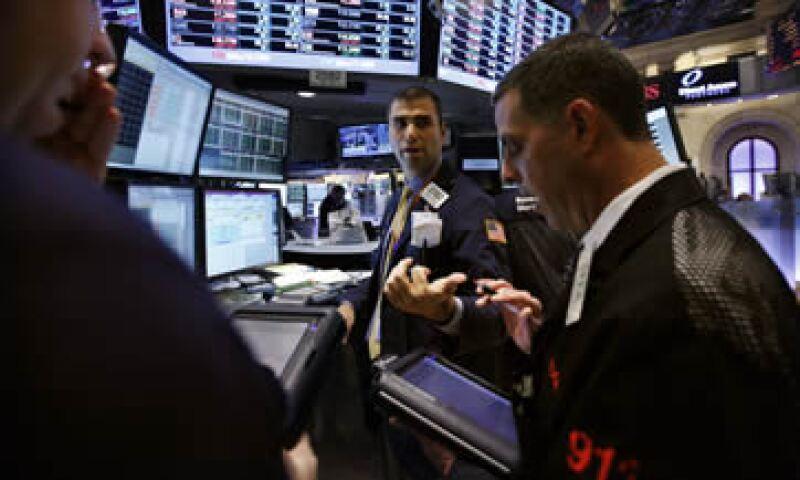 EL S&P 500 perforó un nivel clave ante los temores por la deuda en la zona euro. (Foto: Reuters)