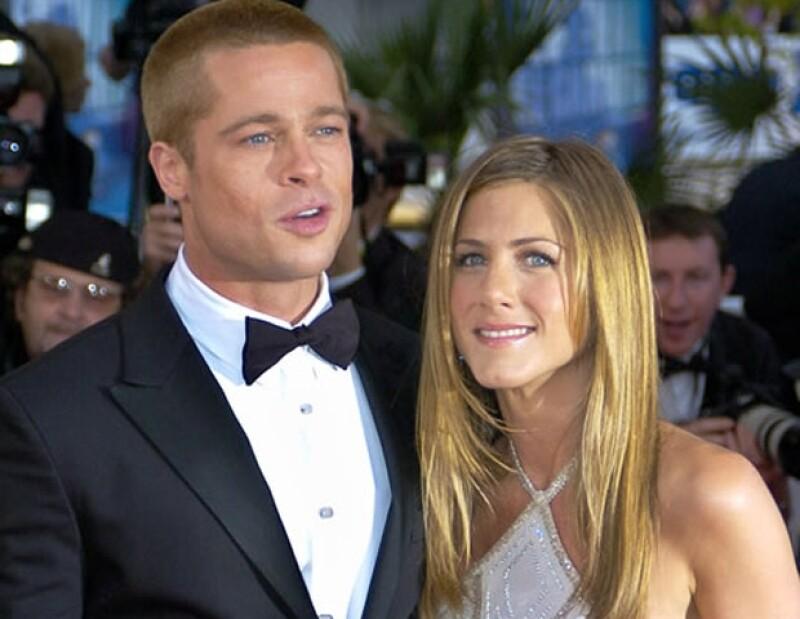 La manzana de la discordia todos la conocemos, la sensual Angelina Jolie, a quien conoció en el rodaje de la película `El Sr. y Sra. Smith´.