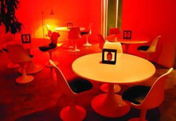 Clarum 101 está decorado en este color para destacar unas piezas y ambientar con iluminación.