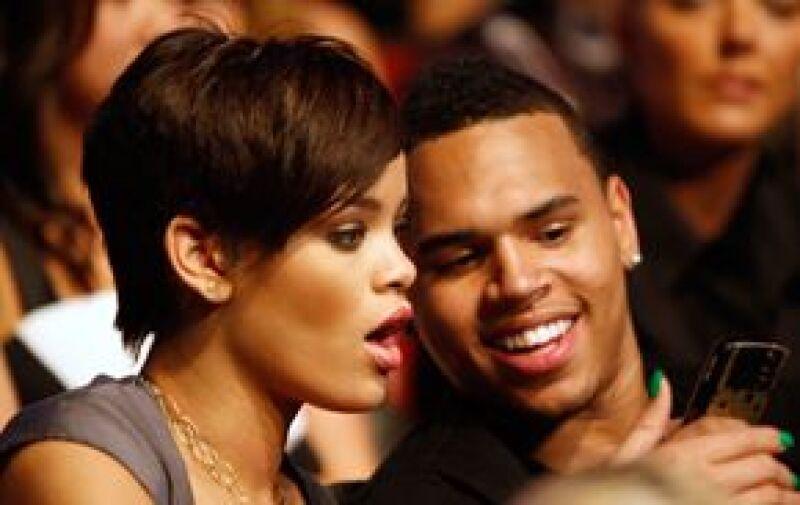 La cantante fue víctima de violencia doméstica por parte de su pareja sentimental, confirmaron fuentes policiacas sobre el incidente que afectó también el programa de entrega de premios Grammy.