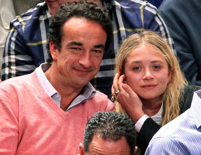 Muchos atribuyen el cambio de look de 180 grados de la diseñadora a su nuevo amor, Oliver Sarkozy.