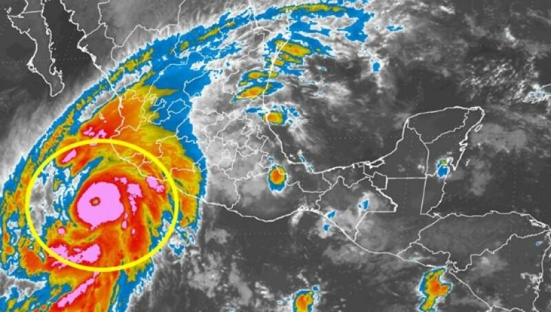 En aquellas zonas donde puede llegar un huracán, es una buena idea tener un clóset, o un área especial, para almacenar víveres y material de supervivencia.