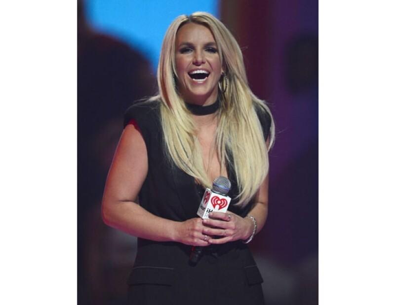La cantante se defendió luego de que circularan algunos videos en los que se puso en evidencia su desfinada voz y de que se dijera que en sus futuros conciertos en Las Vegas volvería a hacer playback.