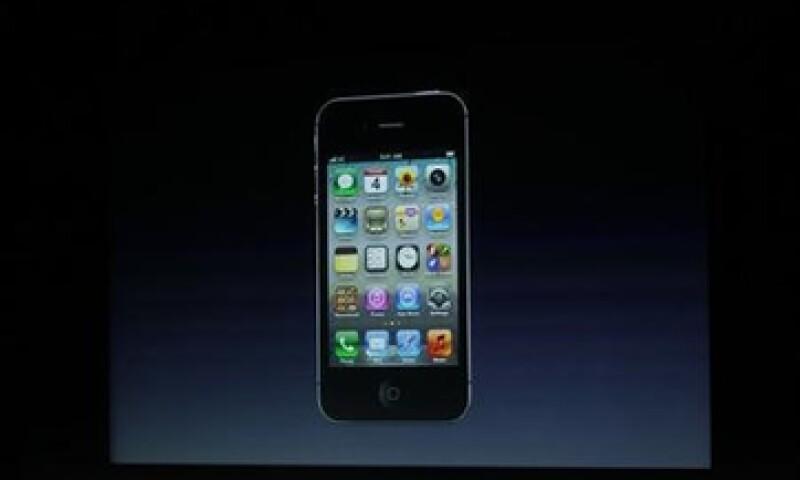 Competidores como Samsung, Nokia y HTC pueden capitalizar el desánimo que generó el iPhone 4S. (Foto: Reuters)