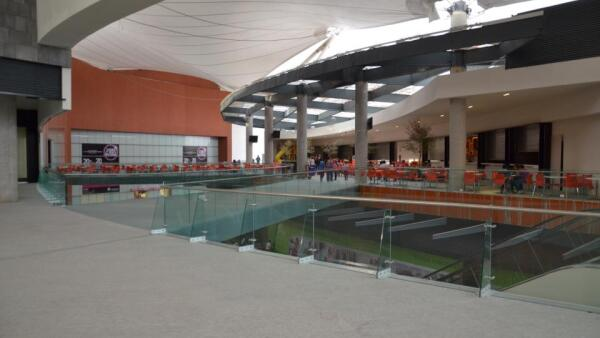 Gran Terraza Oblatos en Guadalajara, ejemplifica la fórmula inmobiliaria de Grupo Gigante con un área rentable de 26, 613 metros cuadrados y 82 locales. (Foto: Tomado de www.facebook.com/GT.Oblatos)