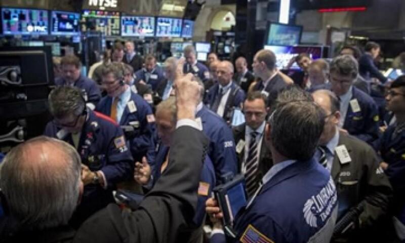 El Nasdaq perdió 0.42% este lunes. (Foto: Reuters )