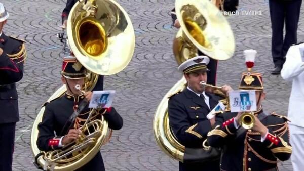 Macron y Trump cierran el desfile de Día de la Bastilla al ritmo de Daft Punk