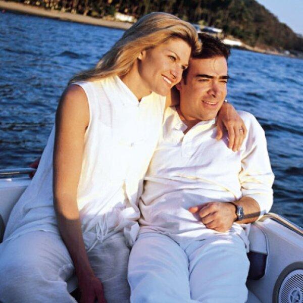 Carla Alemán y Antonio Mauri unieron sus vidas el 22 de febrero de 1992.  Durante su matrimonio han procrearon y cuidado a su dos hijos Carla Teresa y Antonio.