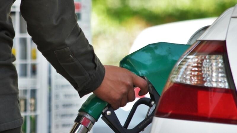 Casi un 20% de mangueras de gasolina inspeccionadas por la Profeco en 2014 resultaron con anomalías