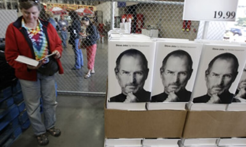 El autor de la biografía de Jobs cuenta que lo que más le sorprendió fue la intensidad de sus emociones. (Foto: AP)