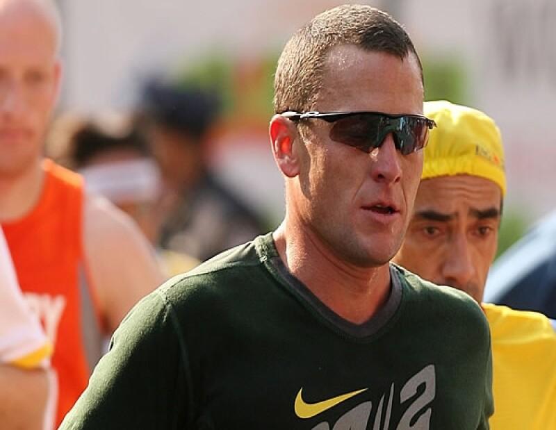 La Unión de Ciclismo Internacional anunció este lunes que a Armstrong se le retirarían sus títulos ganados en el Tour de France.