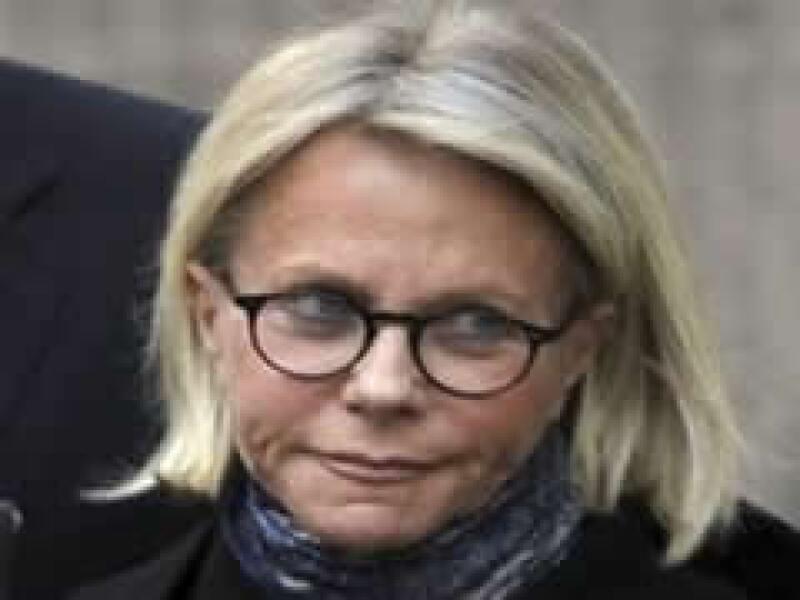 La esposa del defraudador espera que la sentencia no sea tan severa y que los fondos y propiedades sean devueltos. (Foto: AP)