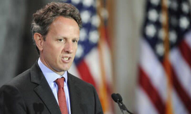 Timothy Geithner dijo que la mejor forma de que se apruebe un aumento de deuda podría ser el llamado gran acuerdo que une el límite de deuda con reducciones de gasto y reformas tributarias. (Foto: Reuters)