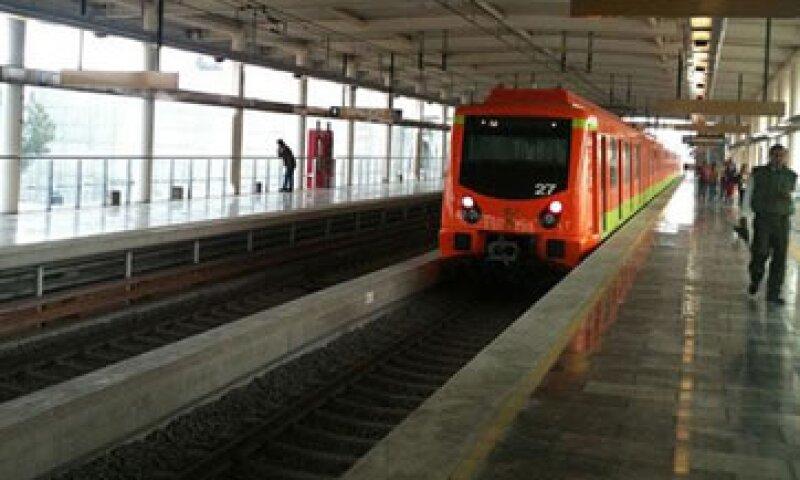 El Consorcio advirtió en su momento que las vías eran incompatibles con los trenes en la línea 12.(Foto: Cuartoscuro)