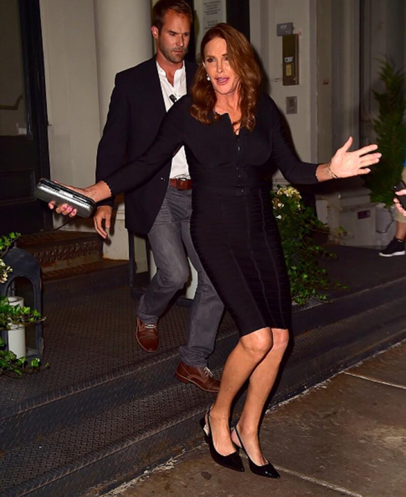 La estrella de reality lució un ajustado vestido negro, el mismo que lució en Vanity Fair.