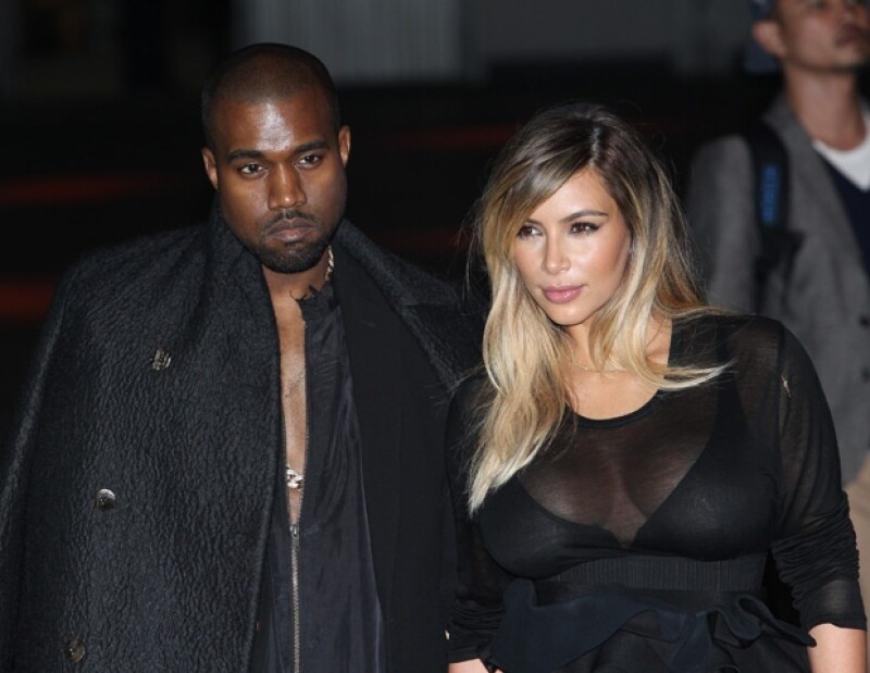 La pareja está enojada debido a que Chad Hurley (co fundador de dicha página y que fue vendida a Google) publicó el video cuando West le propuso matrimonio a Kardashian.