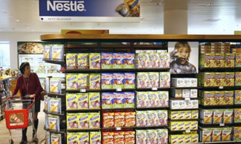 Nestlé, Coca-Cola FEMSA, Hershey Co., están entre las empresas que atraen a los inversionistas. (Foto: AP)
