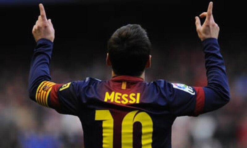 El reloj de pulsera es el número 10 -en honor al número que el futbolista lleva en sus camisetas- del modelo Royal Oak Chronograph Leo Messi. (Foto: AP)
