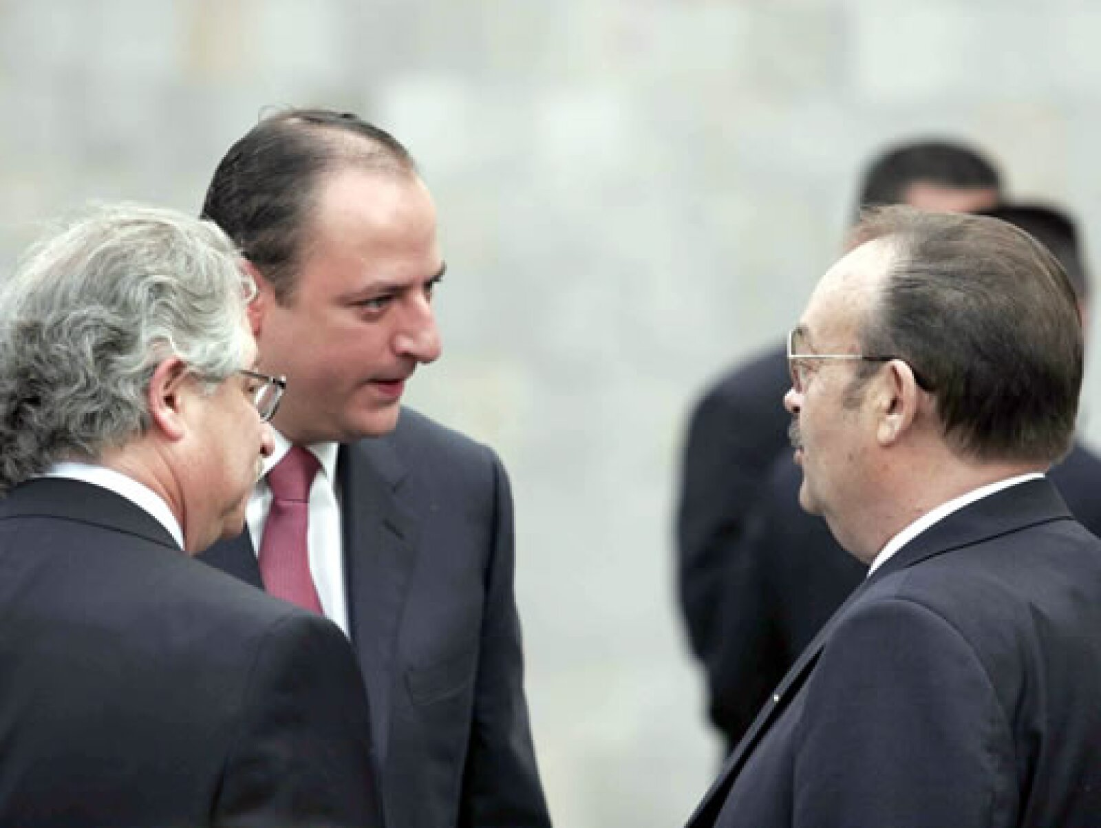 Juan Francisco Ealy Jr., director general de El Universal,  y Mario Vázquez Raña, presidente de la Organización Editorial Mexicano.