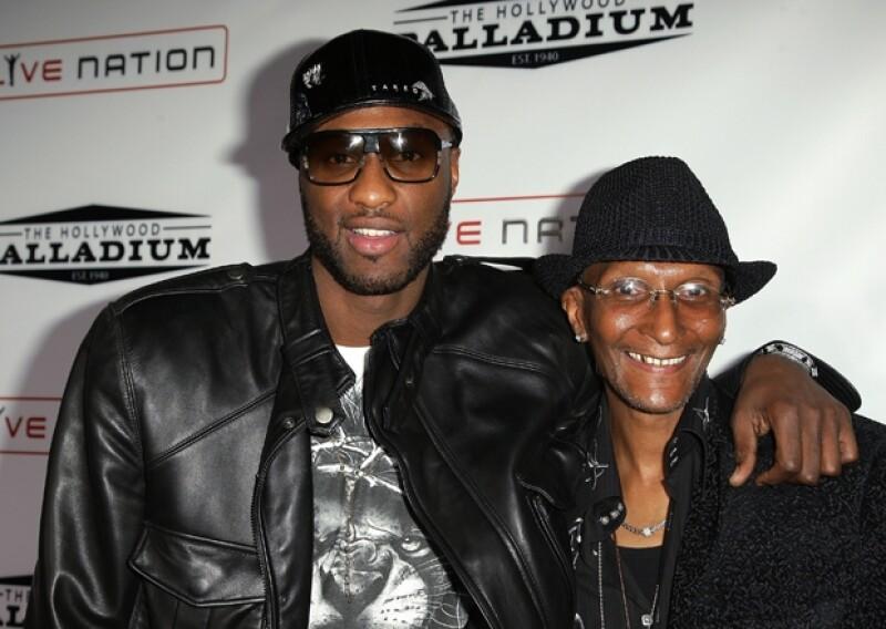 Lamar Odom y su padre Joe en 2008 en California.