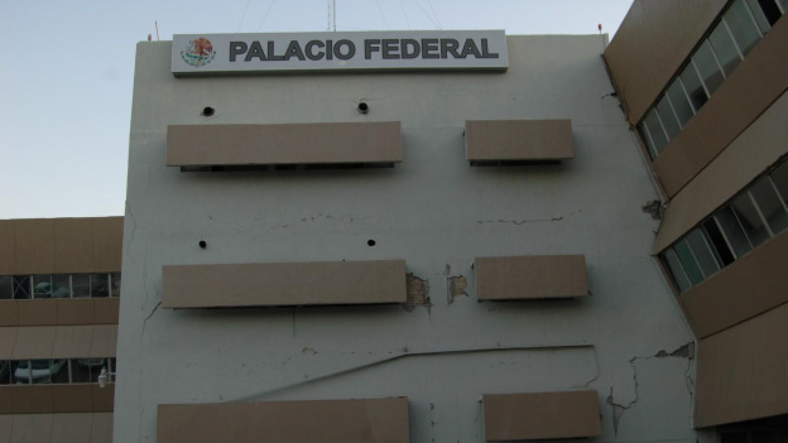 El sismo del domingo pasado causó daños en el Palacio Federal de Mexicali
