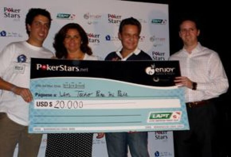 El actor se llevó una bolsa de 20 mil dólares en el Torneo de celebridades en el LAPT, los cuales serán donados a la organización Un techo para mi país.
