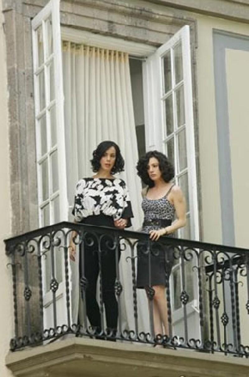 Gaby de la Garza y Ximena González Rubio durante las grabaciones de la serie.