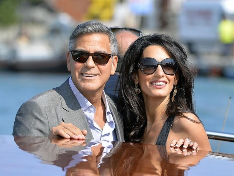 George Clooney y Amal Alamuddin llegaron ayer a Venecia, mágico lugar en el que celebrarán su boda y en donde tuvieron sus respectivas despedida de solteros.