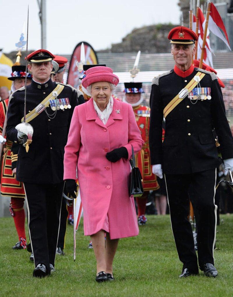La reina no tendrá oportunidad de conocer a su bisnieta pues la familia del príncipe William se retira a su residencia de descanso mañana.