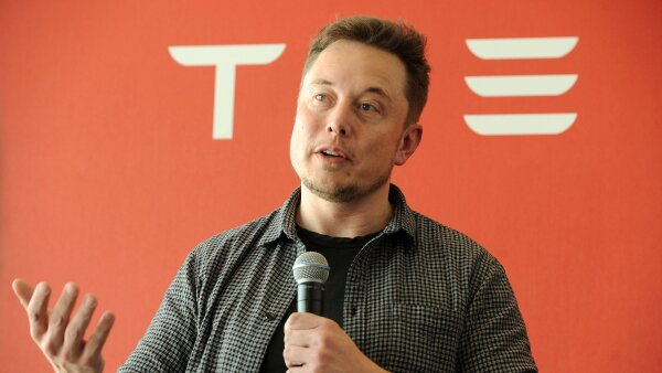 FILE PHOTO:  Founder and CEO of Tesla Motors Musk speaks during a media tour in Sparks