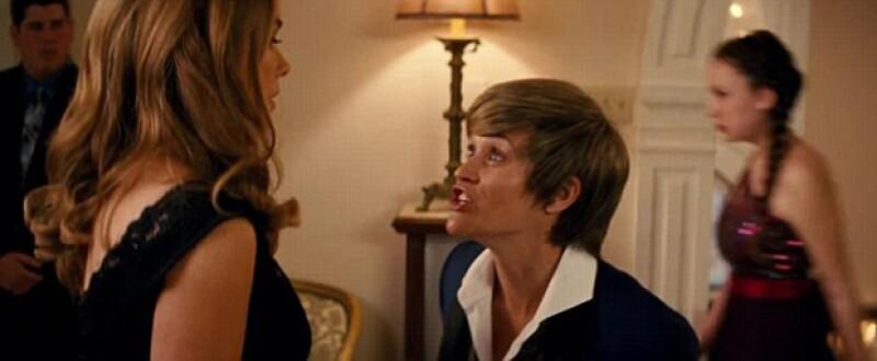 """Reese y Sofía hacen un perfecto dueto para arrancar carcajadas en """"Hot Pursuit""""."""