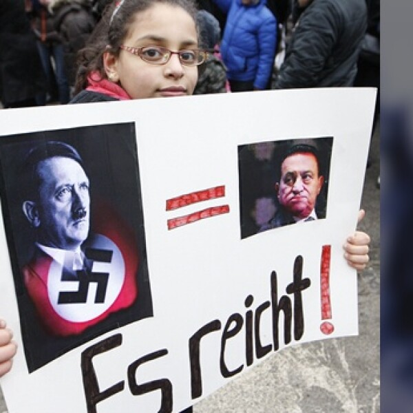 Niña protesta en Viena contra Mubarak