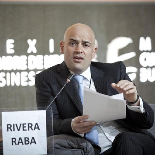 Manuel Rivera fue el moderador de la primera sesión de este lunes.