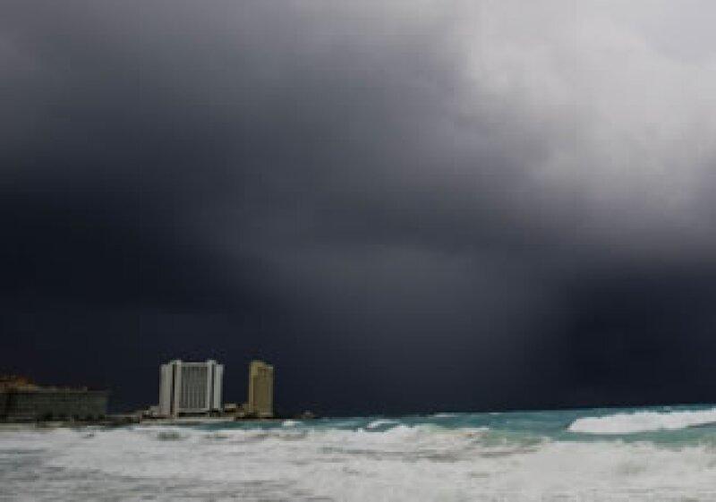 Las costas de Quintana Roo comienzan a sentri los efectos de Ida. (Foto: Notimex)