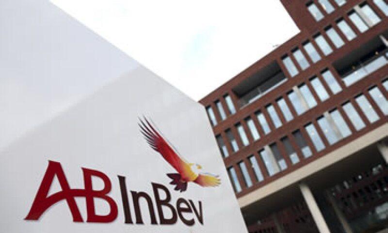 AB InBev tiene un portafolio de más de 200 marcas, entre ellas Corona. (Foto: Reuters )