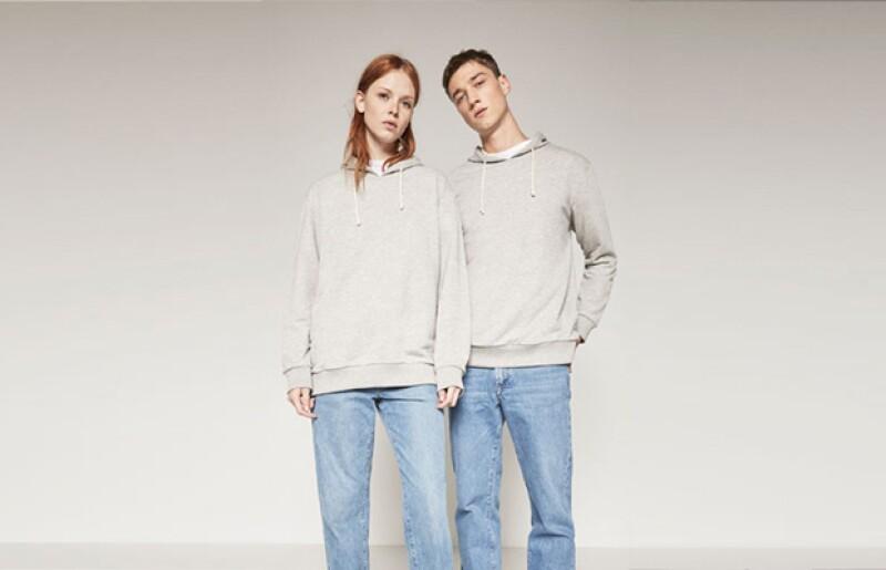 La colección está compuesta por 8 básicos de siluetas limpias y aires de streetwear no se rigen ni por talla ni por sexo, más bien por estilo.