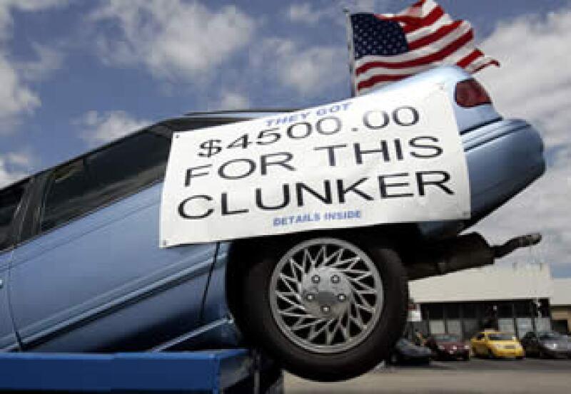 Un anuncio de Chevrolet para atraer a clientes del programa dinero por chatarra. (Foto: Reuters)